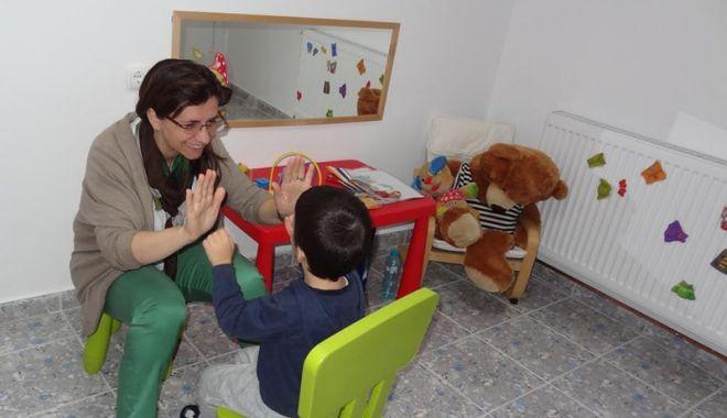 Noutăţi în privinţa şcolarizării copiilor cu cerinţe educaţionale speciale - masuricopii-1528123725.jpg