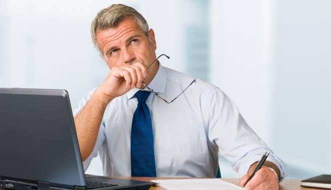 Directorii află, astăzi, dacă mai sunt sau nu pe funcții - maturebusinessmanthinking-1439878326.jpg