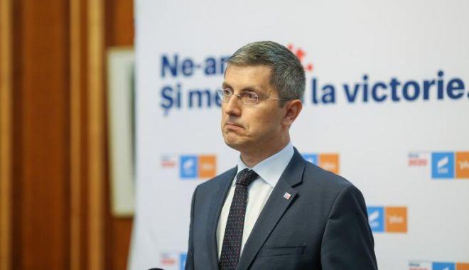 Coaliţia de guvernare merge mai departe. Vlad Voiculescu va continua la Ministerul Sănătăţii - mczoptq0mczoyxnopwm1ngq5zmi4mjky-1618226370.jpg