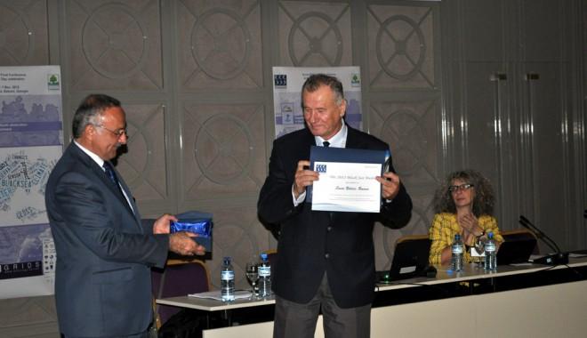 Foto: Dr. Simion Nicolaev, medaliat pentru implicarea  în protejarea mediului Mării Negre