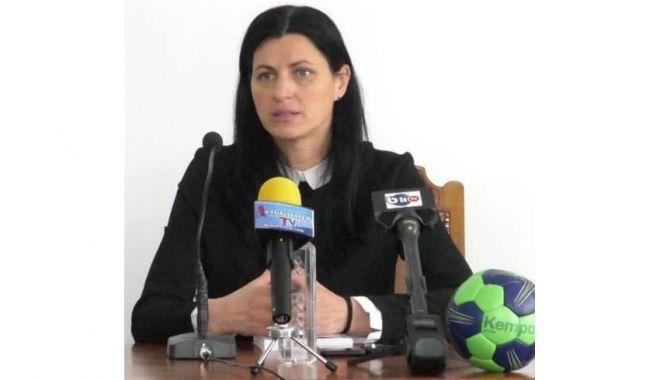 """""""Medalion"""" Narcisa Lecuşanu, în cadrul workshop-ului organizat la Facultatea de Educație Fizică și Sport - medalion2-1619705086.jpg"""