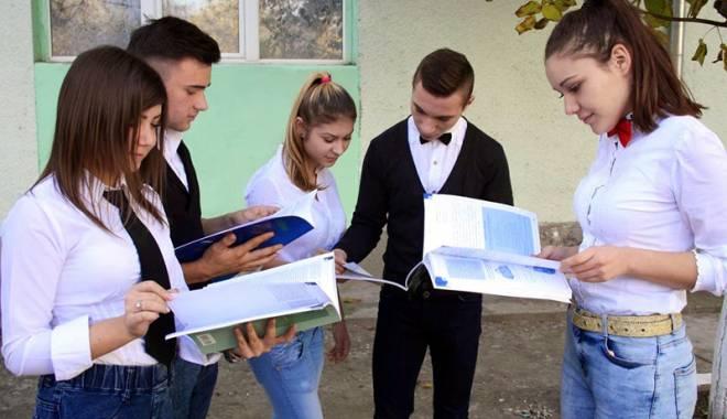 Foto: Elevii din Medgidia, provocați să-și demonstreze îndemânarea