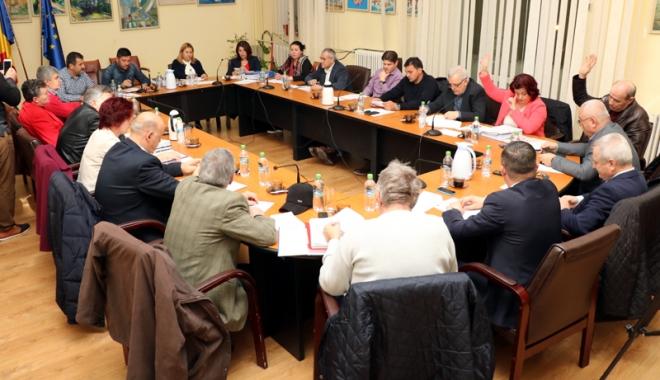 Foto: Aleşii locali din Medgidia, convocaţi la prima şedinţă din an