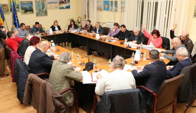 Foto: Consiliul Local din Medgidia, aviz pozitiv pentru reabilitarea unor instituţii de învăţământ