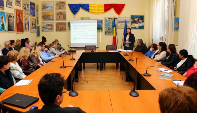 Foto: Viceprimarul Luminiţa Vlădescu a dezbătut bugetul localităţii cu cetăţenii din Medgidia