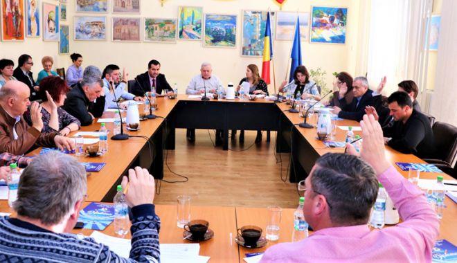 Foto: Consilierii de la Medgidia, vot favorabil pentru înființarea unui centru de zi