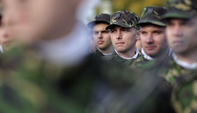 """Foto: """"Săptămâna cadeţilor"""", în şcolile militare de maiştri militari şi subofiţeri"""