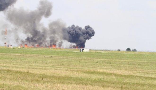 Un avion MIG s-a prăbușit la baza aeriană Borcea: peste 3000 de oameni prezenți la eveniment. PILOTUL A MURIT CARBONIZAT!