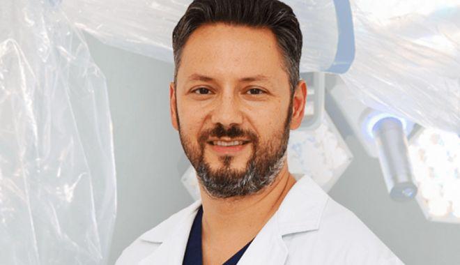 Un binecunoscut medic constănțean va fi hirotonit preot - medic-1591252251.jpg