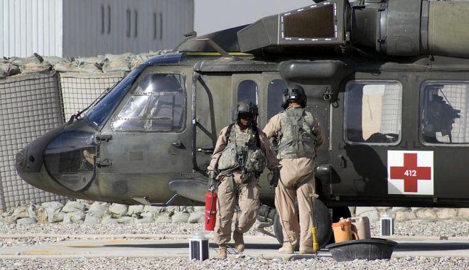 Foto: Respect! Medicii militari, prezenți în momentele cruciale ale istoriei