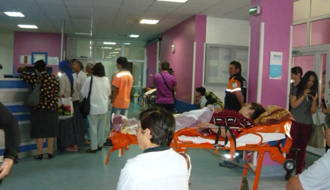 Medicii din spitalul Judeţean Constanţa dublează gărzile  de sărbători - mediciidinspitalul-1386956812.jpg