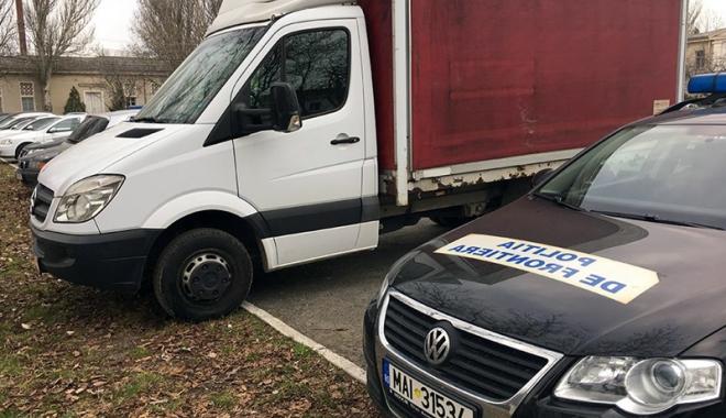 Foto: Mercedes furat din Italia, confiscat de poliţiştii constănţeni
