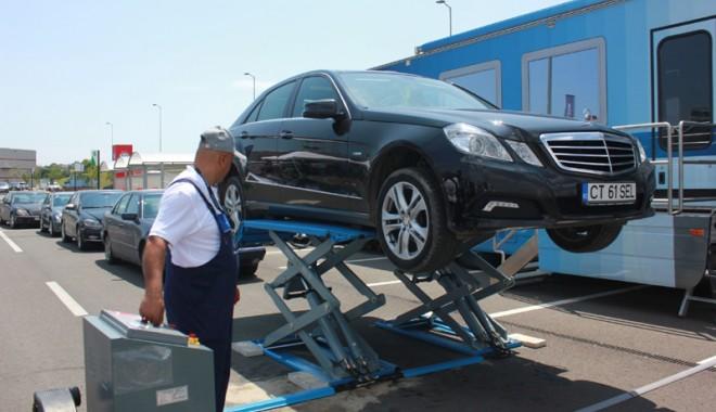 Foto: Service Truck este la Constanţa! Posesorii de Mercedes - Benz îşi pot verifica gratuit autoturismul