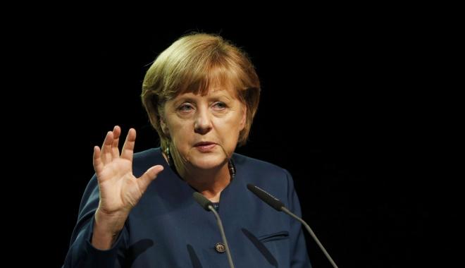 "Foto: Angela Merkel: ""Helmut Kohl mi-a schimbat viaţa în mod decisiv"""