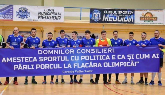 Foto: Sport, nu politică! Mesaj inedit afişat de handbaliştii de la CS Medgidia