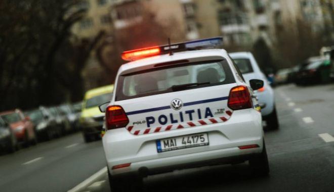 Traficant de droguri prins cu 5 kg de canabis și un pistol deținut ilegal - mesajulpolitieiromanedupacepolit-1574430556.jpg
