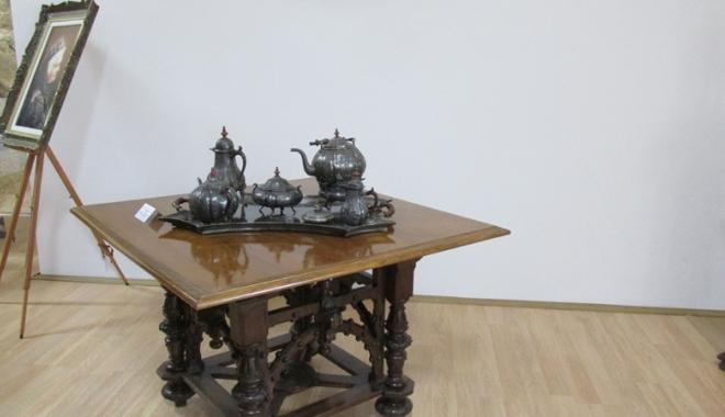 Ce se mânca la mesele regale. Sarmalele în foi de viţă, mămăliga şi prăjiturile Caraiman, servite încă din secolul al XIX-lea - meseregale3-1477667045.jpg