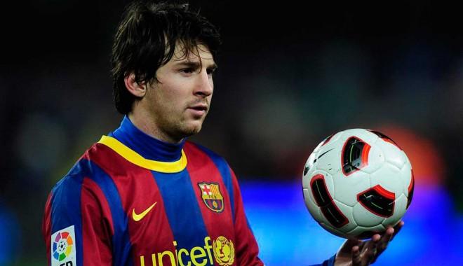 Foto: Messi urcă pe podiumul golgheterilor după ''dubla'' cu Milan