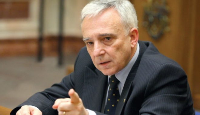 Mugur Isărescu, un nou atac la Guvern: