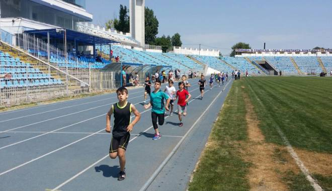 Foto: Micii atleţi se pregătesc  de Cupa Toamnei