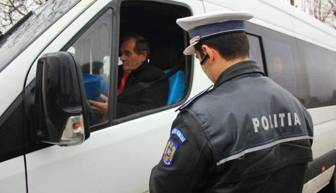 Foto: Microbuzele, taxi-urile şi căruţele din Constanţa, în vizorul poliţiştilor