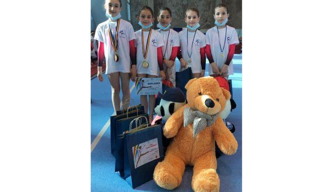 """Micuţele gimnaste de la CSS 1 Constanţa, pe podiumul Cupei """"Nadia Comăneci"""" - micutele2-1619532180.jpg"""