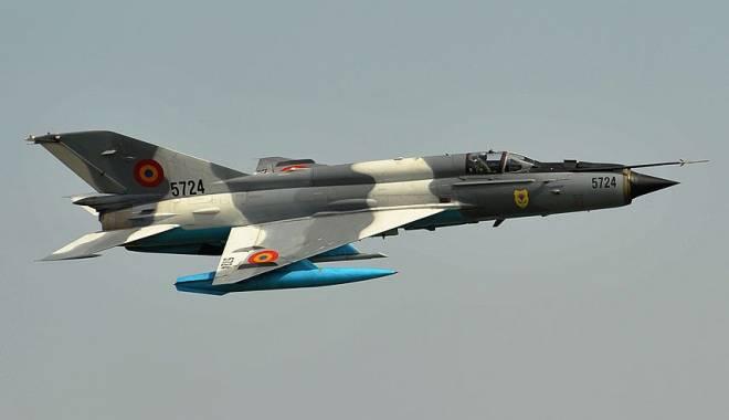 Foto: România, survolată de avioane militare