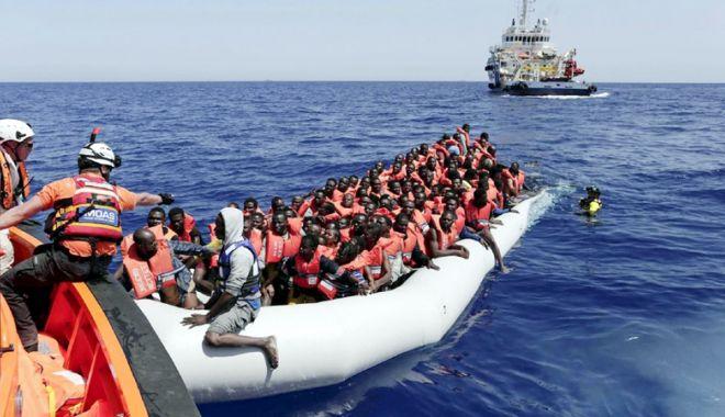 Foto: Mai mult de 500 de migranți vor debarca în Italia