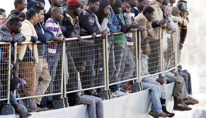 Foto: Peste 450 de migranţi, salvaţi de Garda de Coastă spaniolă