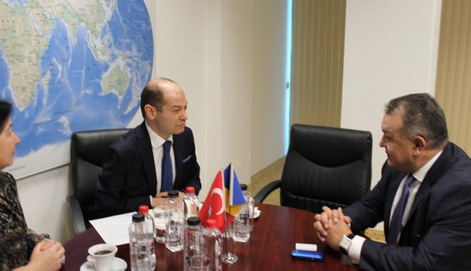 Mihai Daraban a primit vizita consulului general al Republicii Turcia la Constanţa - mihaidaraban2-1495207691.jpg