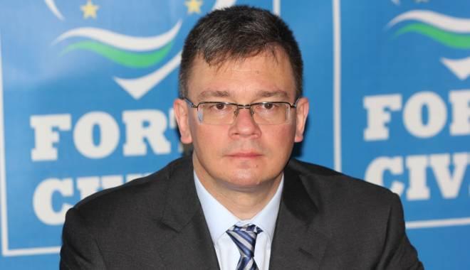 Foto: Mihai Răzvan Ungureanu, nominalizat director al SIE