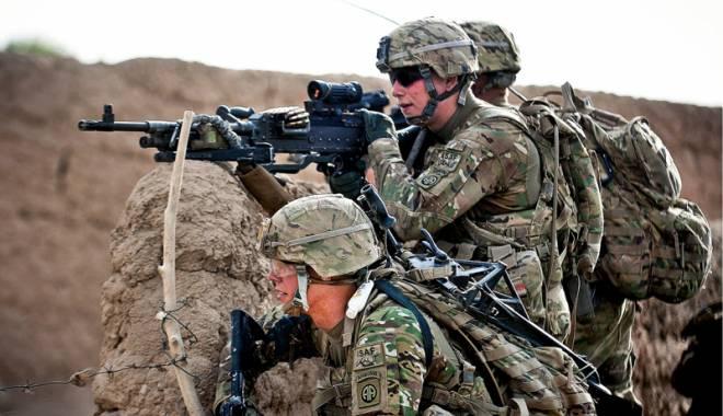Foto: Mii de militari americani şi englezi,  la Mihail Kogălniceanu