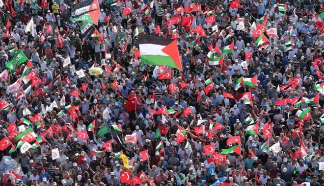 Foto: Mii de persoane  au manifestat,  la Istanbul, împotriva  deciziei SUA  privind Ierusalimul