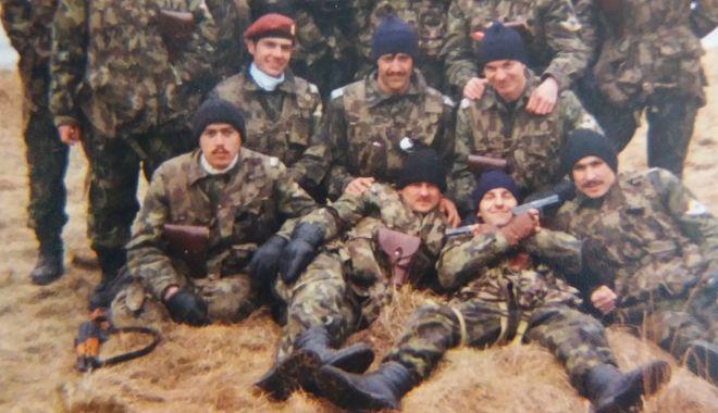 Foto: MILITARI de ELITĂ, din trupe speciale. O imagine pentru cunoscători!