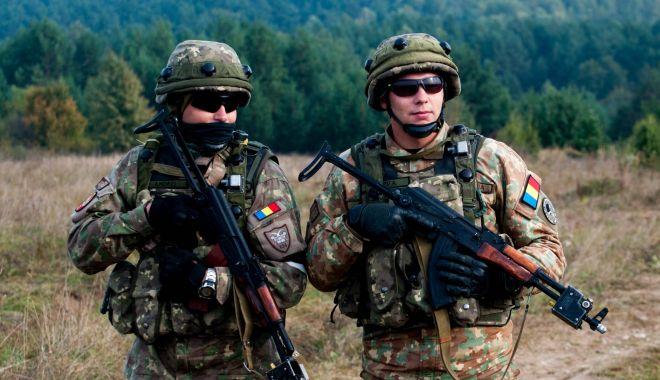 Militari români, alături de specialiști SRI. Iată misiunea - militari-1570089441.jpg