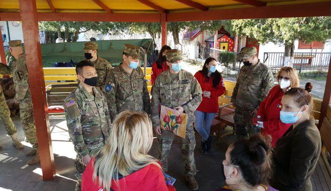 """Cadouri de la militari pentru copiii de la Centrul """"Antonio"""" - militariantoniosursabrigada9-1613067897.jpg"""