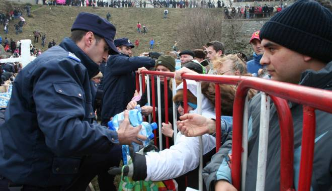 Foto: Militarii constănţeni, prezenţi la Bobotează