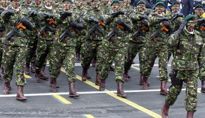 Foto: Militarii  vor fi obligaţi  să poarte  ţinuta de oraş