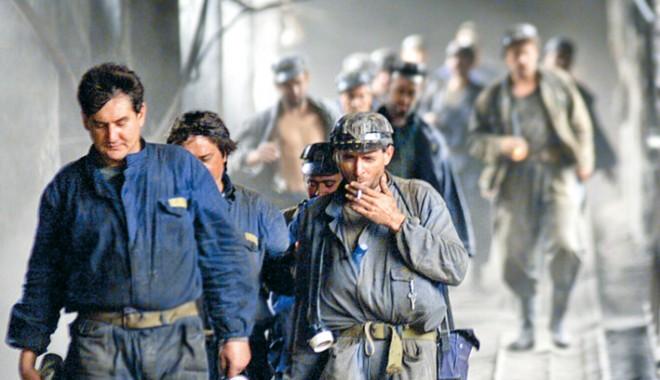 Foto: Hunedoara / 21 de mineri de la Lonea s-au blocat în subteran