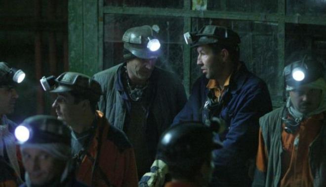 Foto: Proteste ale minerilor. 360 de oameni s-au autoblocat în subteran