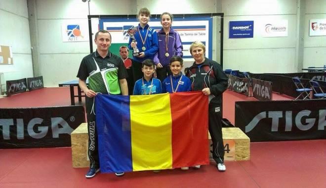 Foto: Tenis de masă: Constănţeanca Elena Zaharia, aur la Top 16 minicadeţi