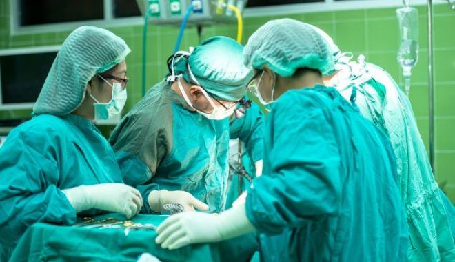 Foto: Decizie a Ministerul Sănătăţii, după numeroasele cazuri de MEDICI FALŞI, apăruţi în România