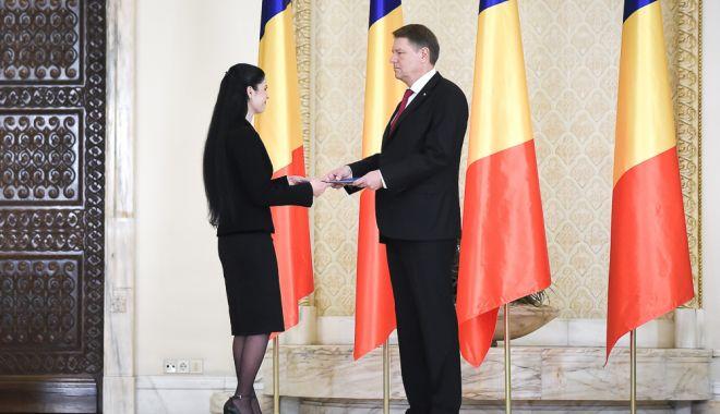 Foto: Ceremonie la Cotroceni. Cei trei noi miniştri, jurământ de învestitură