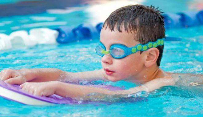 Ministrul Tineretului şi Sportului îşi doreşte bazine de înot pentru copiii de grădiniţă - ministrul-1614714881.jpg