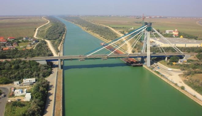 Foto: Podul de la Agigea va fi gata în câteva săptămâni. Dar nimeni nu lucrează la el  de un an.
