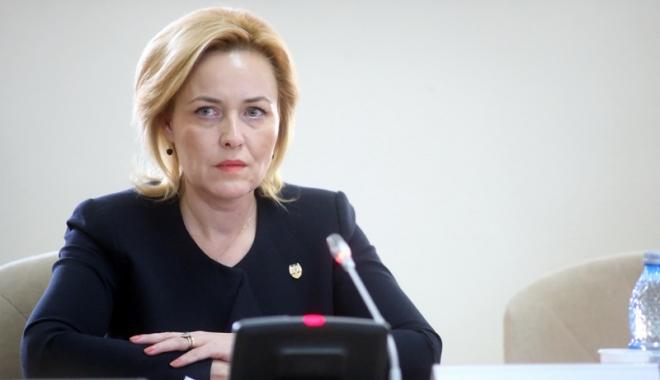 Foto: Ministrul Carmen Dan vrea să acopere deficitul de personal.  Se vor face  6.000 de angajări