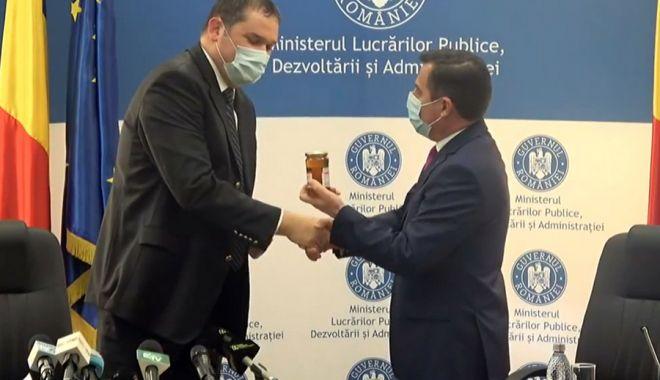"""Ministrul Cseke Attila: """"Vom analiza aplicarea Codului administrativ"""" - ministrulcsekeattila-1609178979.jpg"""