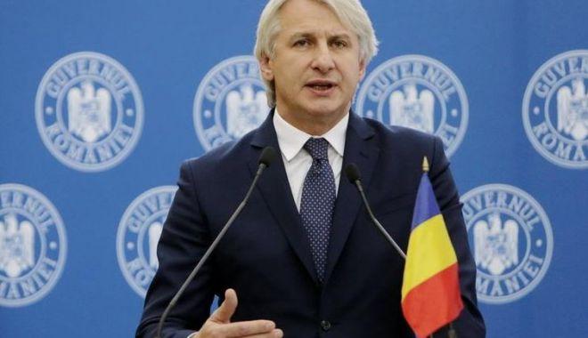 Foto: Ministrul Eugen Teodorovici, veste bună pentru românii din străinătate care trimit bani acasă
