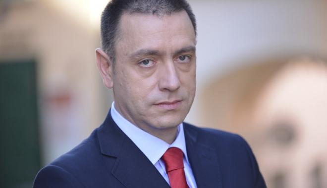 """Foto: Ministrul MApN, reacţie despre confuziile legate de spaţiul """"Schengen militar"""""""
