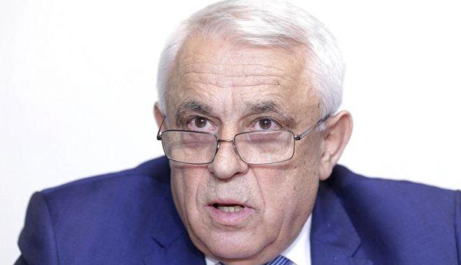 Foto: Ministrul Petre Daea infirmă zvonurile privind arderea culturilor